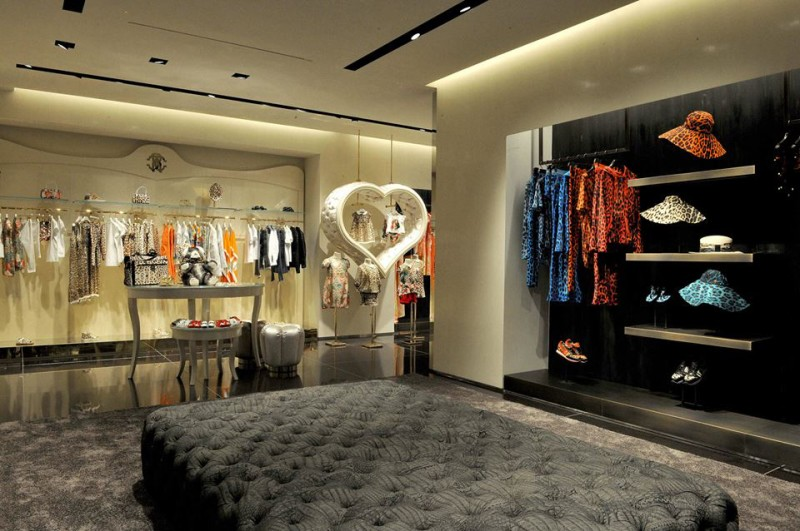 Roberto Cavalli boutique Milan  Roberto Cavalli has a new boutique! Roberto Cavalli boutique Milan 5