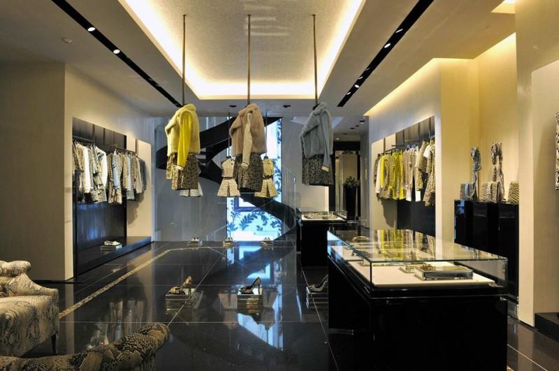 Roberto Cavalli boutique Milan  Roberto Cavalli has a new boutique! Roberto Cavalli boutique Milan 9