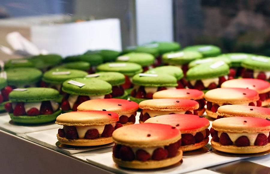 Amazing Macarons by Adriano Zumbo Patisserie  Amazing Macarons by Adriano Zumbo Patisserie Adriano Zumbo patisserie Elenberg Fraser 4