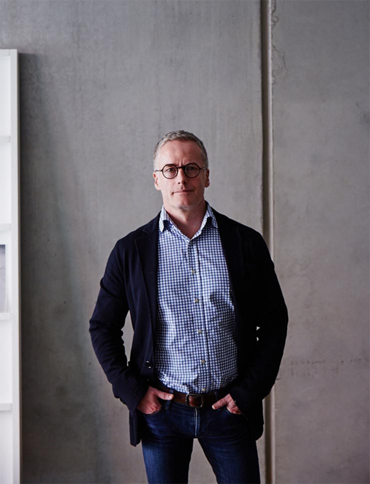 Interior Design : a passionate statement by Paul Hecker